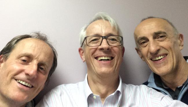 De gauche à droite: Jean-Philippe Louvain, coach Dr Thierry Dubert Philippe Terrade, kinésithérapeute du membre supérieur